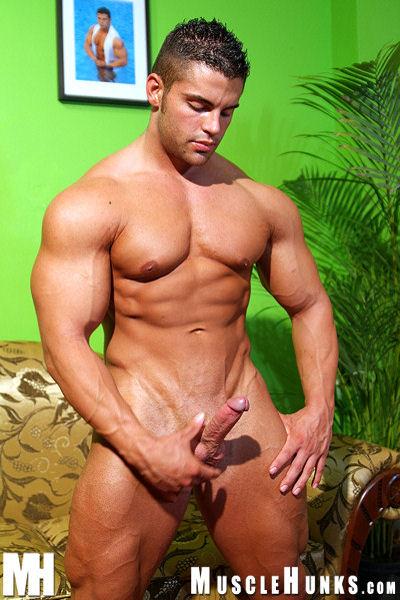 видео голых мускулистых мужиков геев